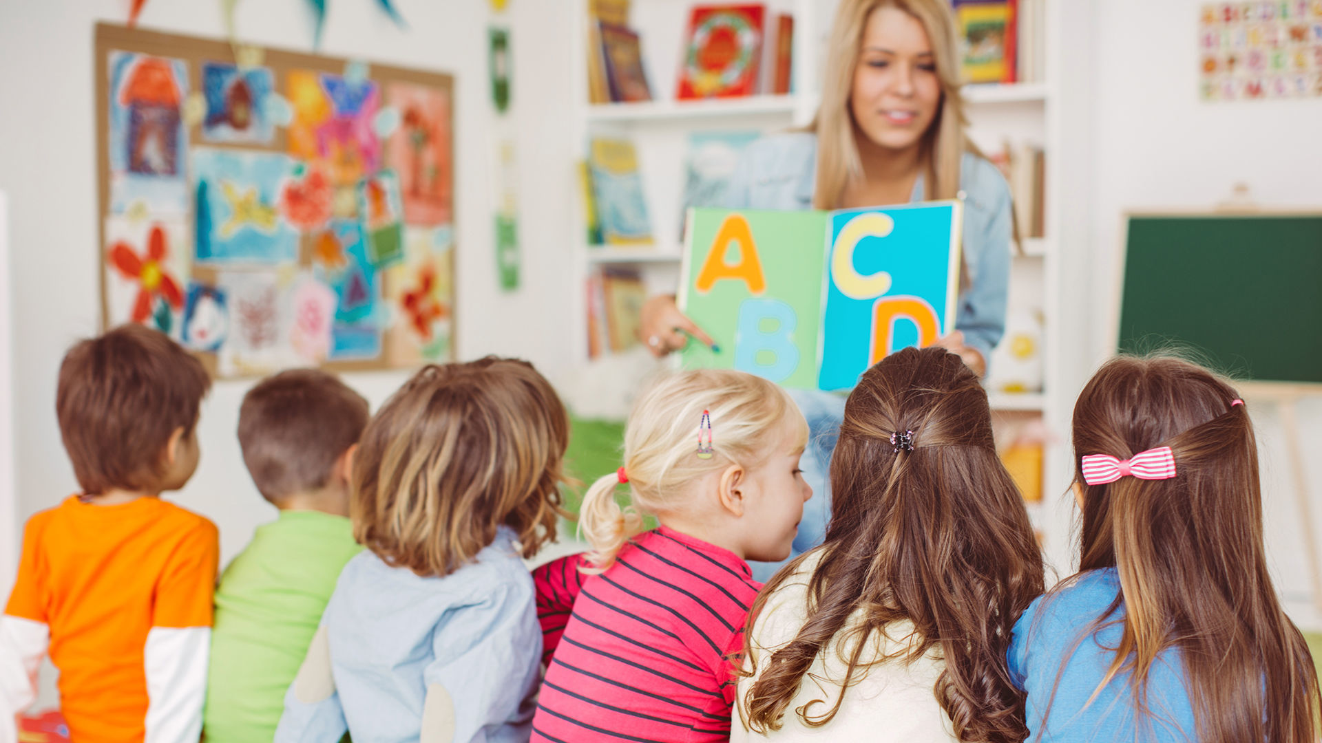 Know The Importance of Playing Outdoors in Child Care